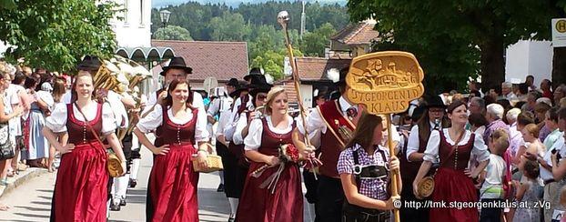 TMK St. Georgen beim Festumzug in St. Peter/Au